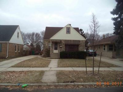 Photo of 2915 E Allerton Ave, St Francis, WI 53235