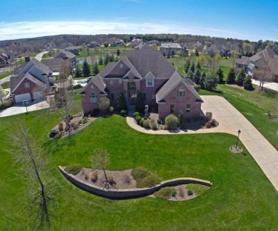 Photo of 2165 Carriage Hills Dr, Delafield, WI 53018