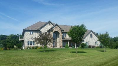 Photo of 5005 Pleasant Hill Rd, Richfield, WI 53076