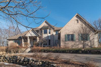 Photo of 21130 W Edinbourgh Dr, New Berlin, WI 53146
