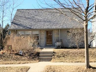 4063 N Stowell Ave, Shorewood, WI 53211