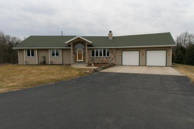 N7519 Engel Rd, Whitewater, WI 53190