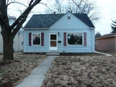 3754 S 35th St, Greenfield, WI 53221