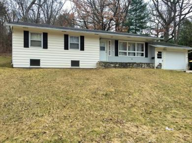 714 Cloute St, Fort Atkinson, WI 53538
