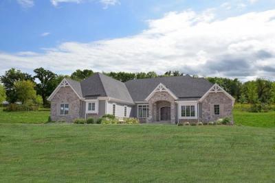 Photo of 3111 W River Estates Dr, Mequon, WI 53092