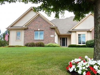 N12W29023 Creekside Ct, Delafield, WI 53188