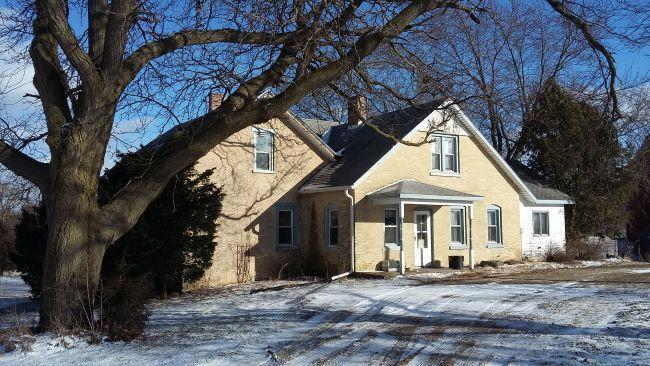 W7823 County Road C, Oakland, WI 53538