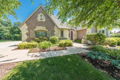 Photo of 2110 Carriage Hills Dr, Delafield, WI 53018