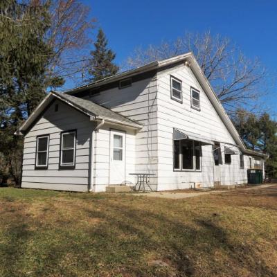 Photo of 9426 Pine Ln, Farmington, WI 53040