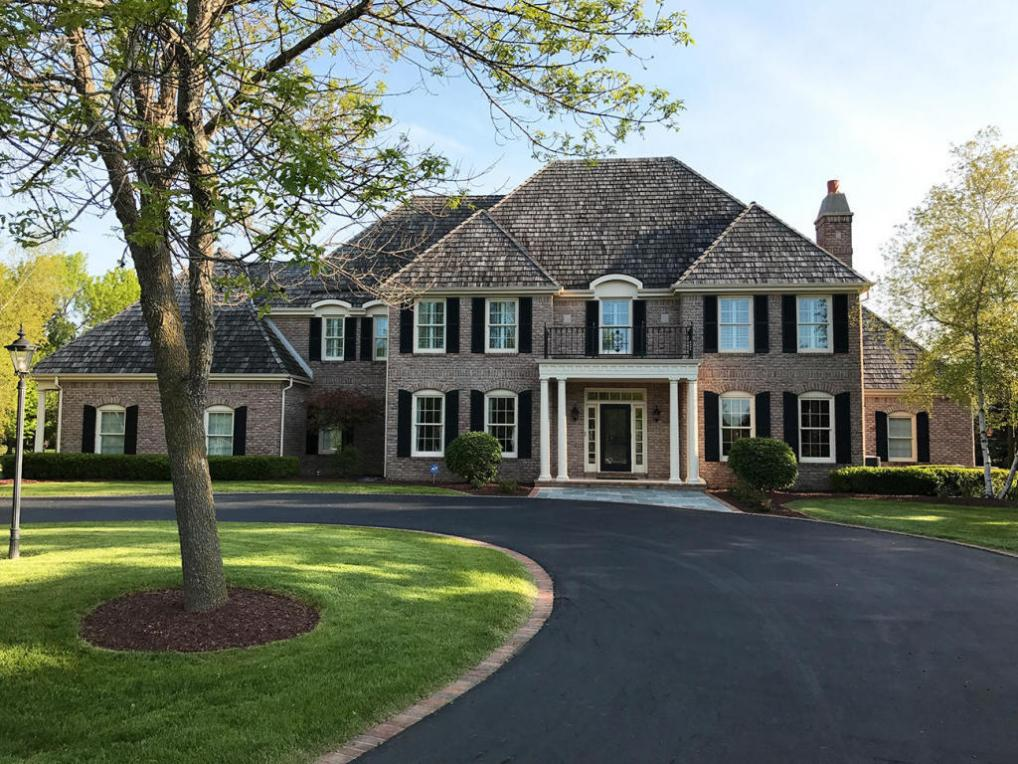 10601 N Wood Crest Ct, Mequon, WI 53092