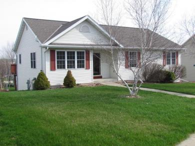 326 Grant St, Elkhorn, WI 53121