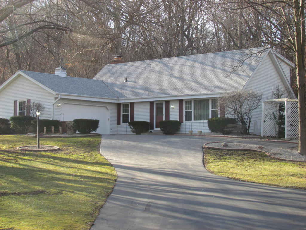 4 Bed, 2.5 Bath Country Home in Waukesha!