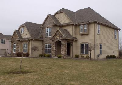 Photo of 18180 Peregrine Ln, Brookfield, WI 53045