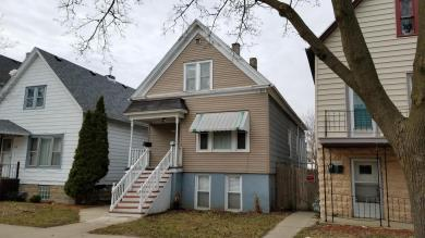 2435 S 9th St, Milwaukee, WI 53215