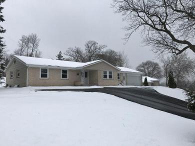809 Crestwood Dr, Burlington, WI 53105