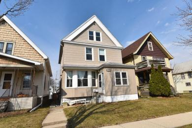 1305 S 73rd St, West Allis, WI 53214
