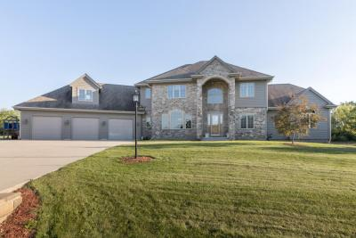 Photo of 3973 Woodridge Ct, Richfield, WI 53017