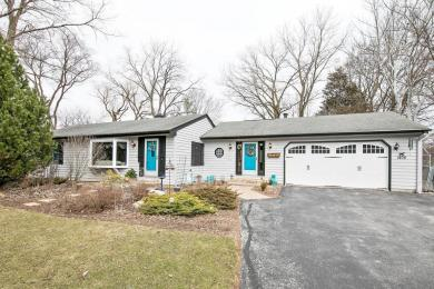 1408 W County Line Rd, Mequon, WI 53092