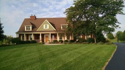 Photo of 735 Fox Tail Ln, Grafton, WI 53024