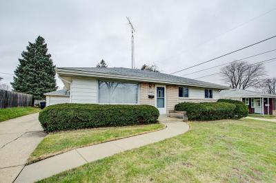 Photo of 3009 E Belsar Ave, Cudahy, WI 53110