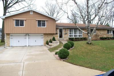 Photo of 2038 S 104th St, West Allis, WI 53227