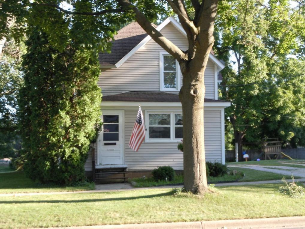 514 E Wisconsin St, Delavan, WI 53115