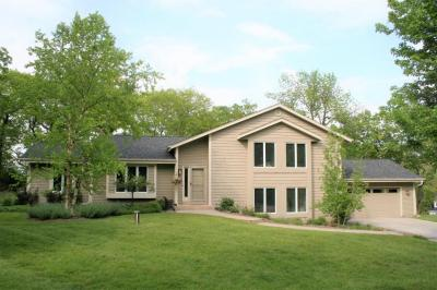 Photo of 34352 Valley Rd, Delafield, WI 53066