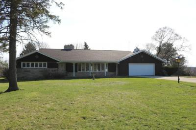 Photo of 7711 Freeland Ct, Greendale, WI 53129