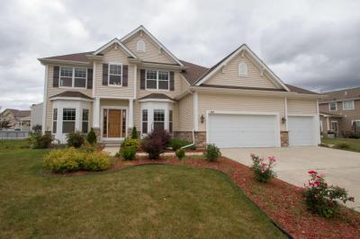 Photo of 8212 S River Ln, Franklin, WI 53132