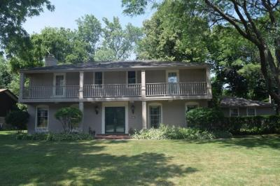 Photo of 2310 W Club View Dr, Glendale, WI 53209