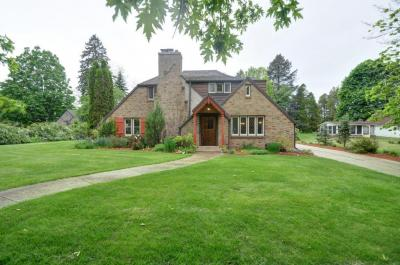 Photo of 1300 Fairview Ave, South Milwaukee, WI 53172