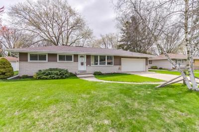 Photo of 5354 S 114th St, Hales Corners, WI 53130