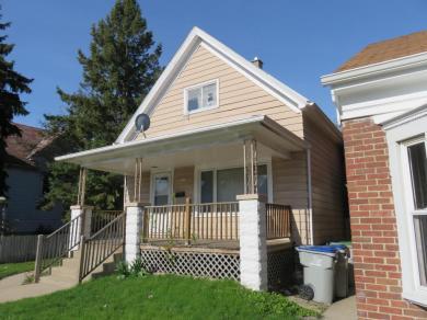 3245 N Holton St, Milwaukee, WI 53212