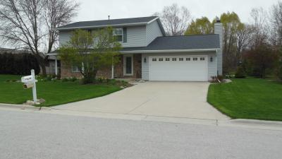 Photo of 528 Cardinal Ln, Howards Grove, WI 53083