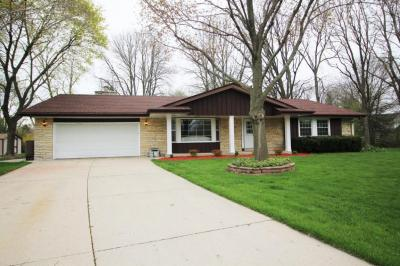 Photo of 9162 N Troy Ct, Brown Deer, WI 53223