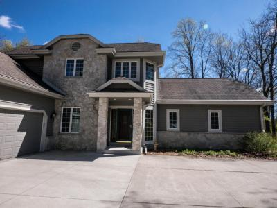 Photo of 1444 Windy Knoll Dr, Richfield, WI 53033