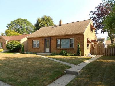 Photo of 633 Sycamore Ave, South Milwaukee, WI 53172