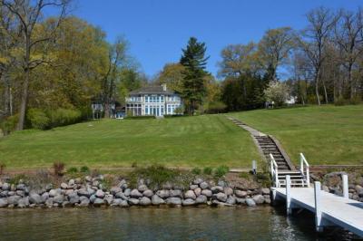 Photo of W4411 N Lake Shore Dr, Linn, WI 53147