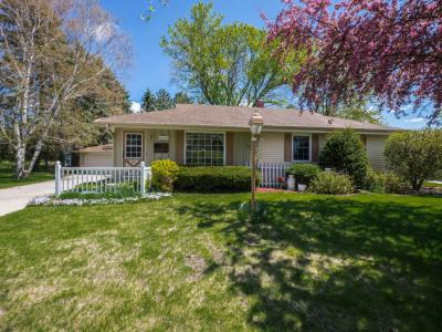 Photo of W233N6052 Lilac Dr, Sussex, WI 53089