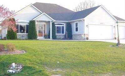 Photo of 3231 E Lindy Ln, Oak Creek, WI 53154