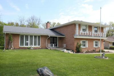 Photo of 12040 W Holt Ave, West Allis, WI 53227