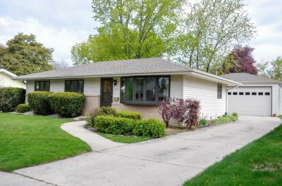 Photo of 5936 Oriole Ave, Greendale, WI 53129