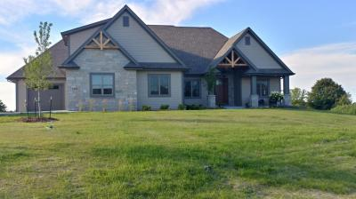 Photo of 4290 Ridge View Ln, Richfield, WI 53076