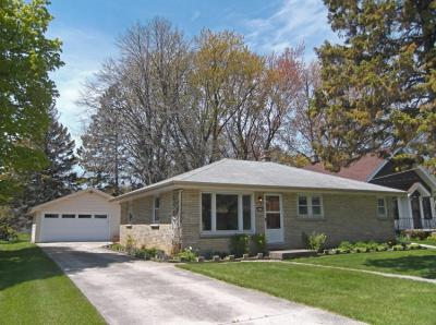 Photo of 4549 S Ahmedi Ave, St Francis, WI 53235