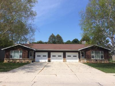 Photo of 4420-4422 Just Ct, Manitowoc, WI 54220
