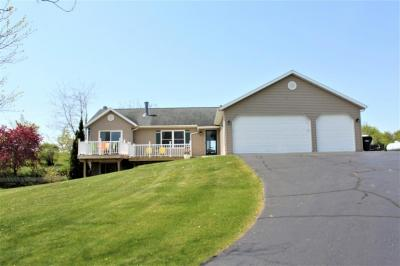 Photo of 8847 Orchard Valley Rd, Farmington, WI 53090