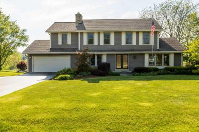 Photo of W285S3791 Sandpiper Br, Genesee, WI 53189
