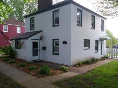 Photo of 5590 Arrowwood St, Greendale, WI 53129