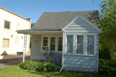 Photo of 2922 E Layton Ave, St Francis, WI 53235