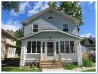 506 W College Ave, Waukesha, WI 53186